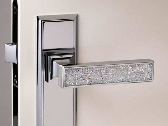 Swarovski crystals home decoration door knob. I really need this! Perfect for closet doors or entering the dressing room!