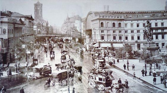 Alexanderplatz mit Blick zum Rathaus ca.1900