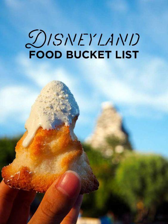 39 Best Foods You Need to Try at Disneyland // localadventurer.com