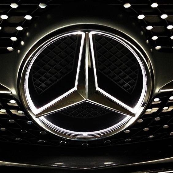 Star light illuminated star bright mercedes benz for Mercedes benz illuminated star