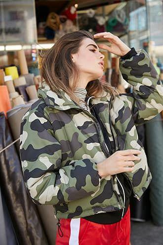 Camo Print Puffer Jacket Jetzt bestellen unter: mode