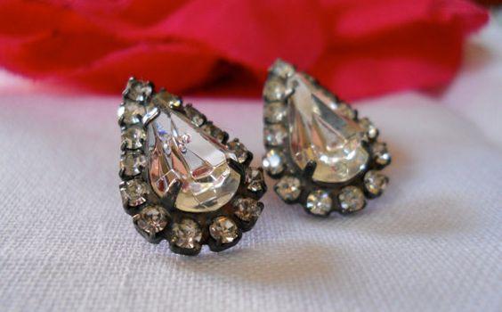 vtg 1970s / Clear Rhinestone / Studs Earrings by luvmetwice, $12.00