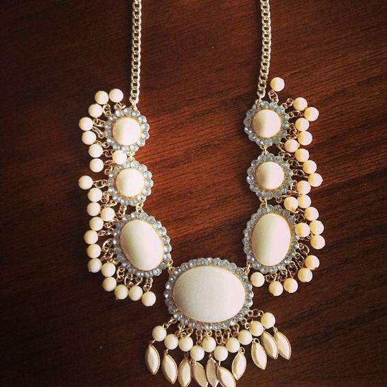 TVco statement necklace. www.travelingvintageco.com