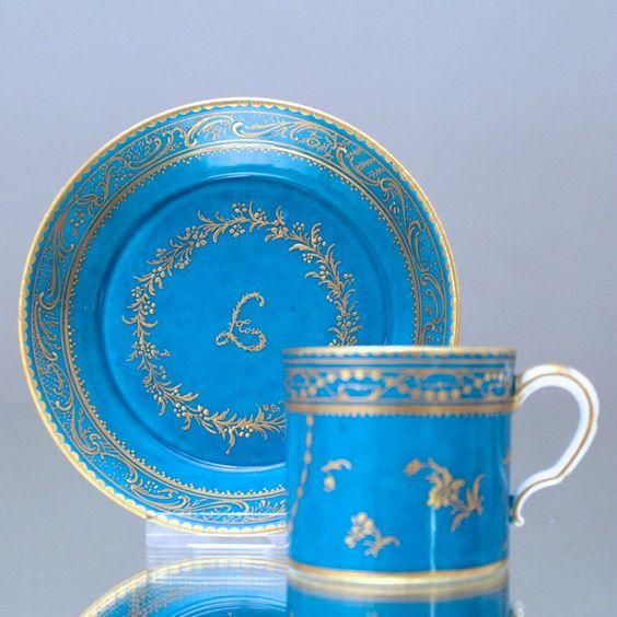 Limoges à la Sèvres: Tasse in bleu celeste mit Gold Louis XVI Mokkatasse cup
