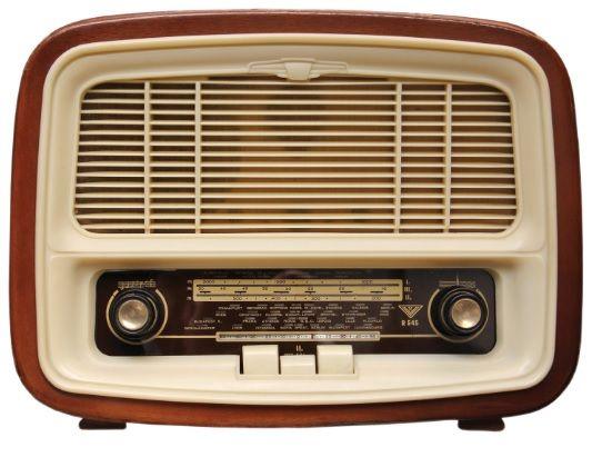 Resultado de imagem para radio antigo