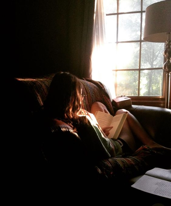Sunday night mood 🤓 #serenity 📚📚📚 si vous avez des bons livres à me conseiller svp ? #lastsummervibes