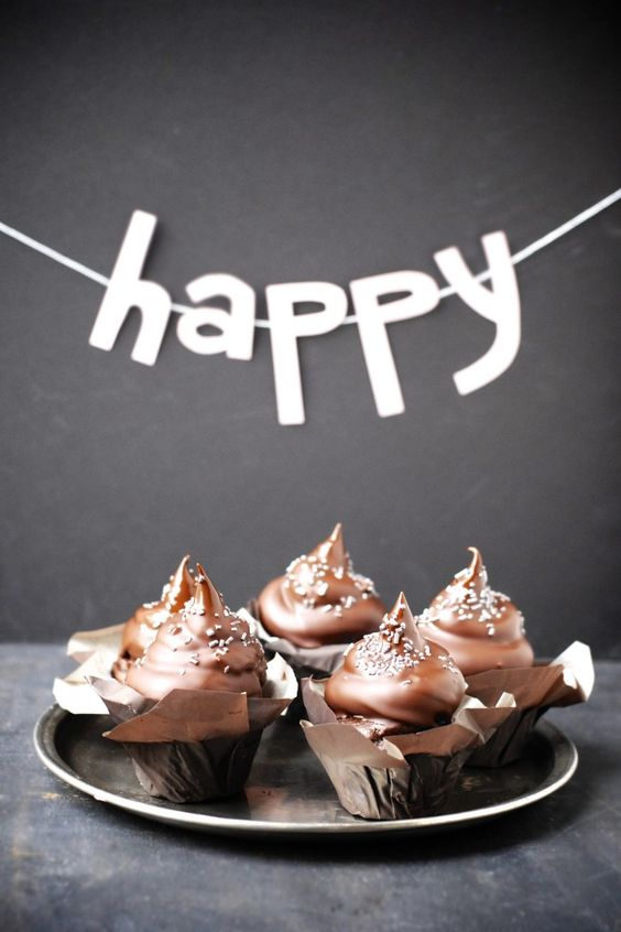 i can think of no better way to celebrate a milestone birthday than with gluten-free hi-hat cupcakes.