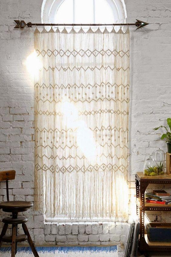 Rideaux crochet hippie romantique mur macramé de briques blanches