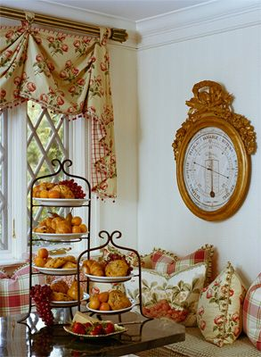 Nooks Breakfast Nooks And The Pillow On Pinterest