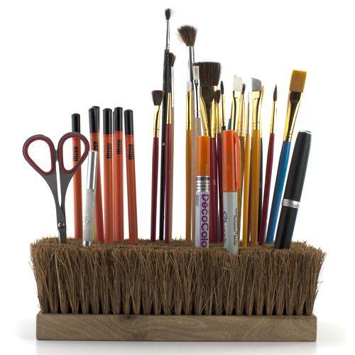 brush holding brushes
