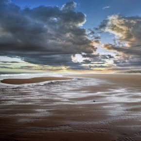 Beach near Bamburgh Castle - Pixdaus