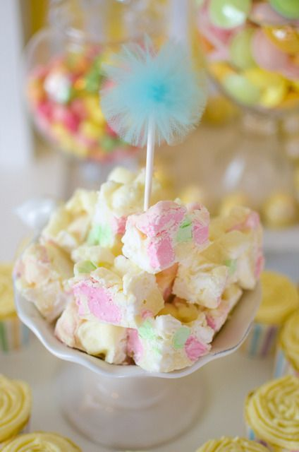 Treats at a Pastel Baby Shower #pastel #babyshowertreats