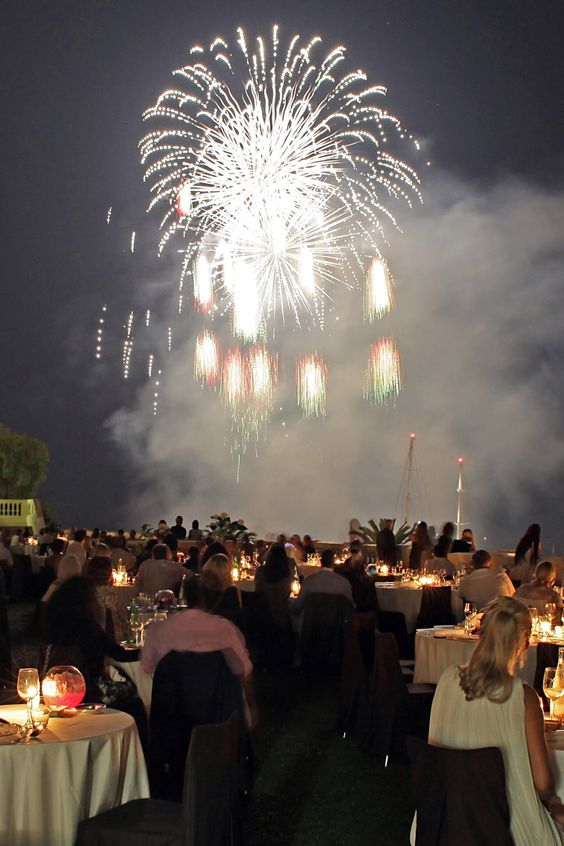 The Monaco International Pyromelodic Fireworks Competition is coming up!  The gardens of the Hôtel de Paris Monte-Carlo
