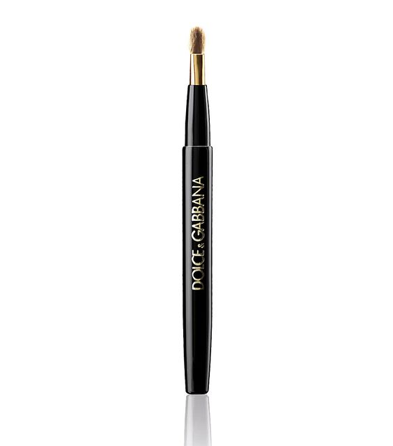 #Dolce&Gabbana The retractable lip brush