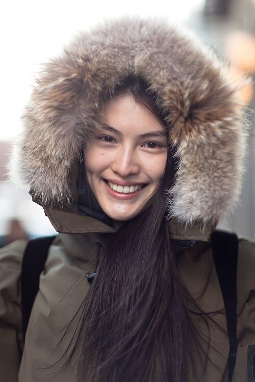Canada Goose' authentic chinese
