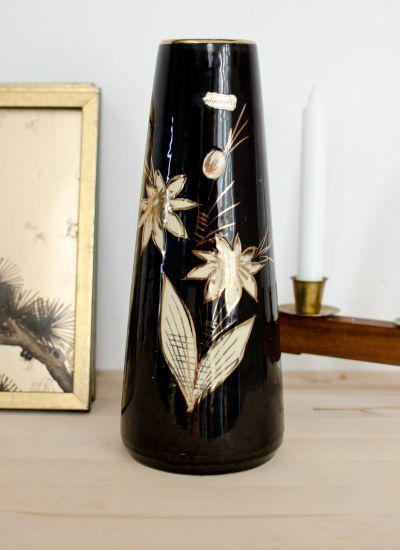 Vase im 50er Jahre Look für shabby chic Dekorationen und einem Einrichtungsstil im Bloggerstil