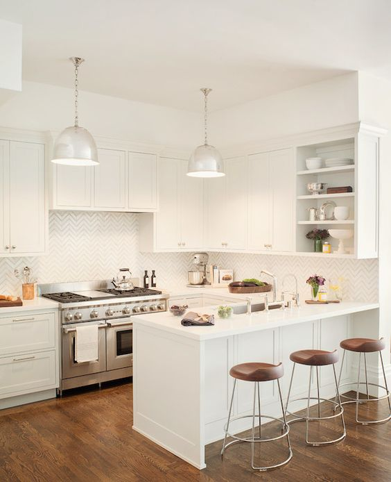 Beautiful Kitchens With White Cabinets: Beautiful Kitchen With Off-white Cabinets Paired With
