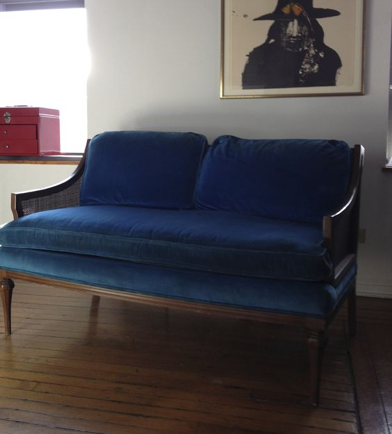Key City Blue Velvet Settee $220 - Chicago http://furnishly.com/catalog/product/view/id/3346/s/key-city-blue-velvet-settee/