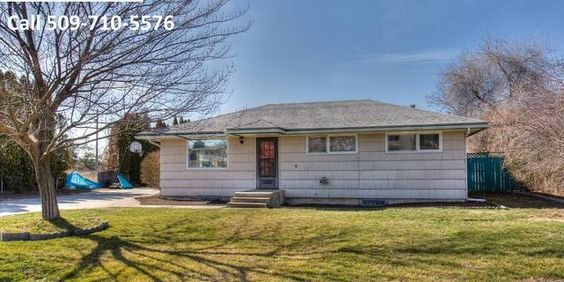 Beautiful 3 bed, 1 bath rancher. Comfortable floor plan with built in charm. New carpet on main level. Kitchen features updated cabinets and breakfast nook. Home sits on landscaped, over-sized lot. Basement includes large family room and hook up for future 2nd bath. chapmansells.com #spokane #realestate #sold