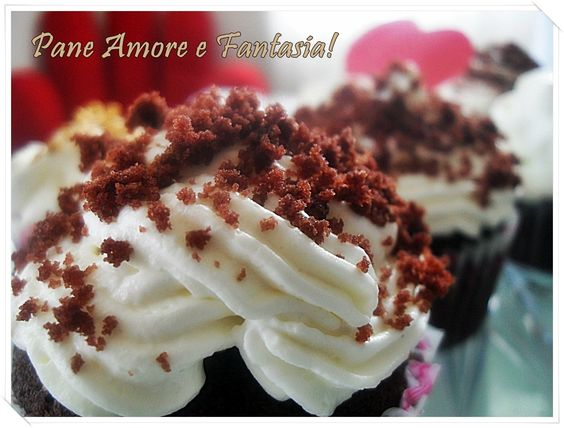 Filled cupcakes - cupcakes ripieni - frosting al formaggio