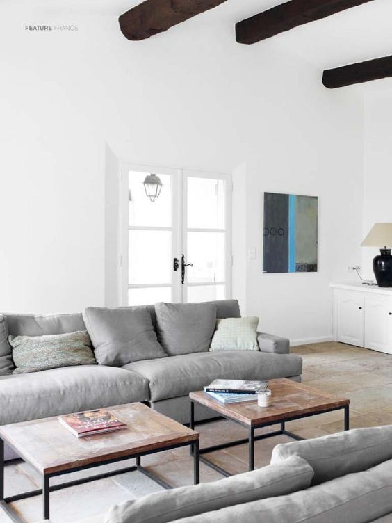 est magazine 1 french farmhouse grey and long sofa. Black Bedroom Furniture Sets. Home Design Ideas
