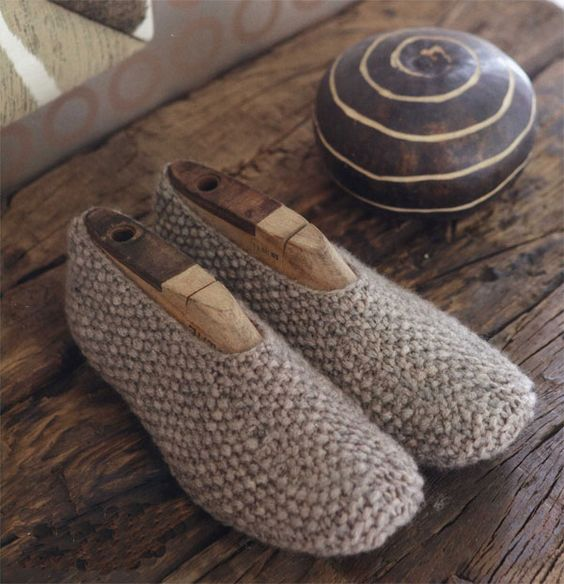 Footwear, Patterns and Knitted slippers on Pinterest