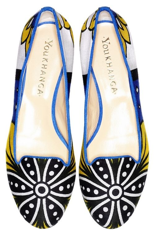 Khanga Material mixed with Italian shoe design: You Khanga - more designs here: https://www.facebook.com/media/set/?set=a.753797777997815.1073741879.249992611711670&type=1