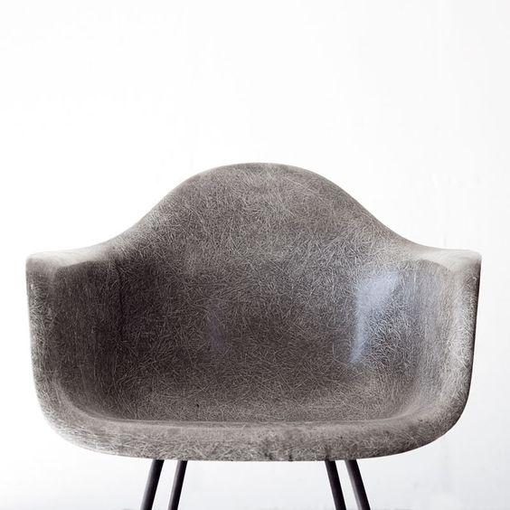 Дизайнерский стул из стеклопластика