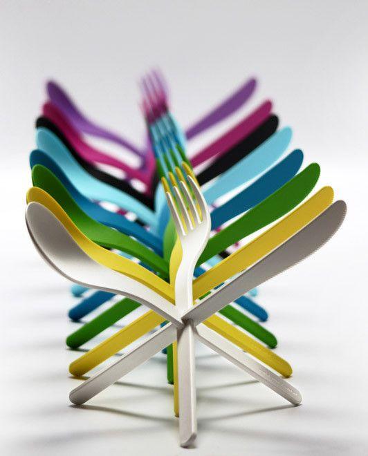 Colorful interlocking cutlery set