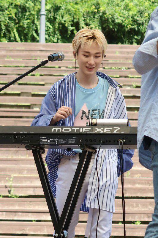 Aaron Shared Folder W24 Amino Official Amino Shared Folder Pop T Boy Groups