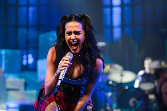 """We can hear Katy Perry """"Roar""""�all the way from London, where she performed at the 2013 iTunes Festival on Sept. 30"""