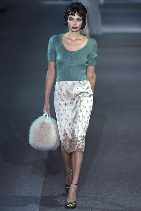 Louis Vuitton Fall 2013 Ready-to-Wear Fashion Show - Jessica Hart
