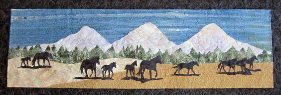 Roberta's Custom Quilting: Horse Applique Quilt