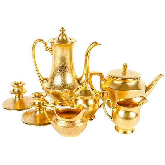 Pre-Owned Gold Tea & Coffee Service ($3,299) ❤ liked on Polyvore featuring home, kitchen & dining, serveware, gold, vintage sugar bowl, tea creamer, vintage coffee pot, vintage creamers and coffee tea pot