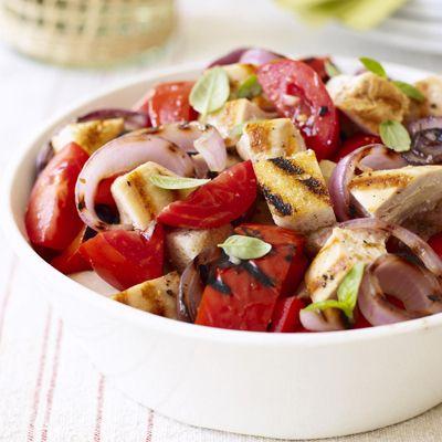 Panzanella Salad with Grilled Chicken #QuickandEasy #salad
