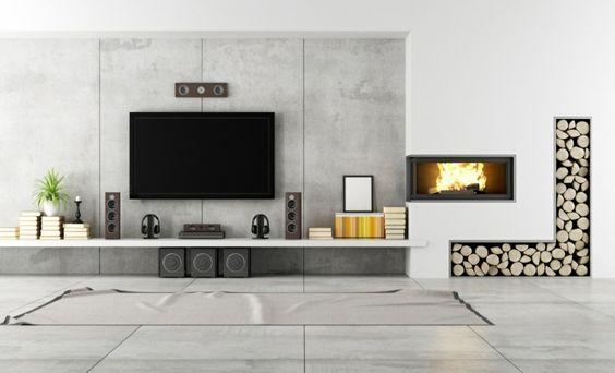 fixation murale tv à côté de la cheminée et rangement bois de chauffage