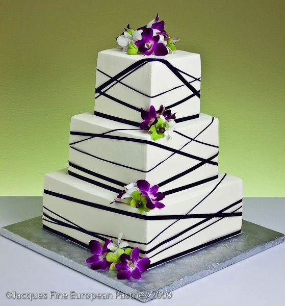 Ribbons & Bows Wedding Cakes. Interesting.