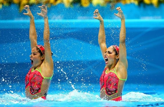 Synchronized Swimming Faces Are Terrifyingly Hilarious