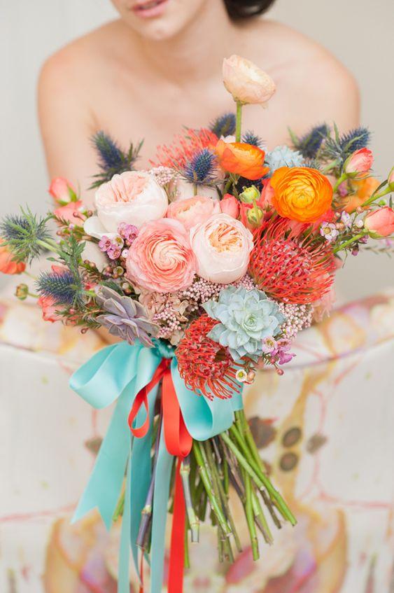 Blumen + Farben + Bänder am Strauß