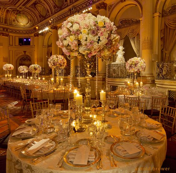 White Gold Themed Wedding Reception Table Decor For Stunningly Gorgeous