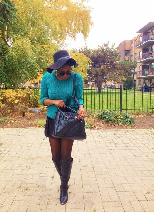 Keeping it simple in my favourite Fall hat.  #FallFashion #Hat #StreetStyle #Fashion #FloppyHat #HM