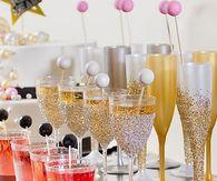 DIY New Years Eve Glitter Glasses