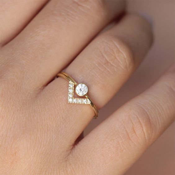 Mariage ensemble - anneau de diamant rond Simple & Pave Diamond V ring - 18k or