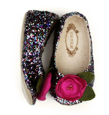 Cutest line of little girls shoes ever... Could pin all 50 pairs, but I'll spare you guys !