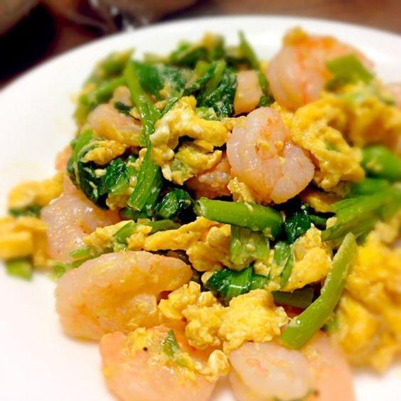 オイスターソースとマヨネーズが味の決め手(・∀・) - 14件のもぐもぐ - 海老と小松菜の卵炒め by ふぅちゃん