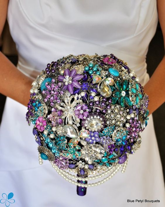 Cascading Brooch Bouquet BM02  Great site for these beautiful broach bouquets.  www.bluepetyl.com