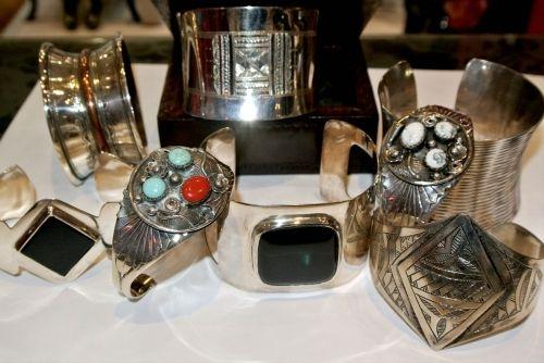 Création artisanale, des bracelets en argent faites à la main à votre bijouterie Toulouse Laoula, http://www.laoula-bijoux.com
