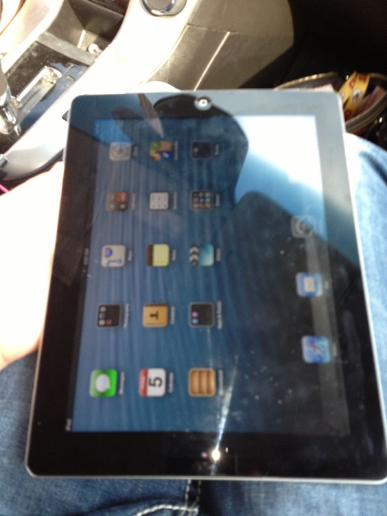 Ipad 3 for Sale $440  16gb Wifi  call 573-714-5889