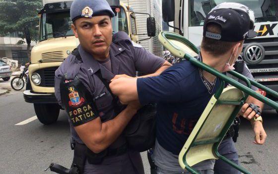 Dossiê com dezenas de violações da PM contra secundaristas em manifestações contra a reorganização do Governo estadual foi entregue à Comissão Interamericana de Direitos Humanos