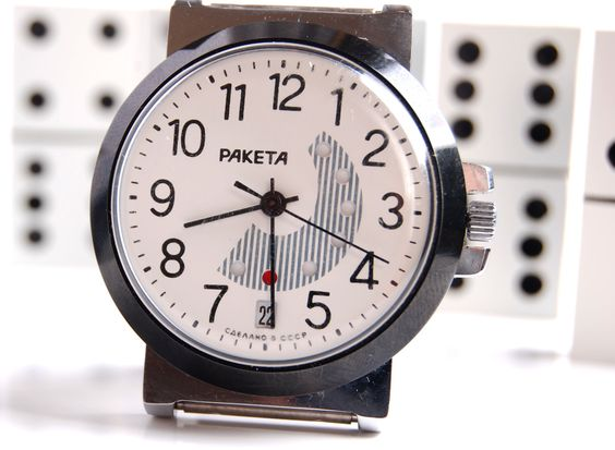 love the face of this old soviet watch